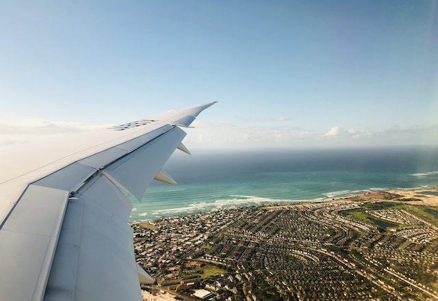 ハワイ 飛行機