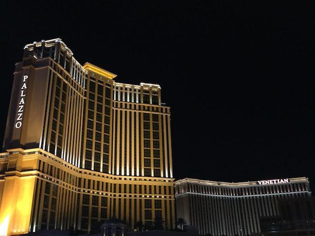 ラスベガスのホテルはなぜ安く泊まれるのか?リゾートフィーって?
