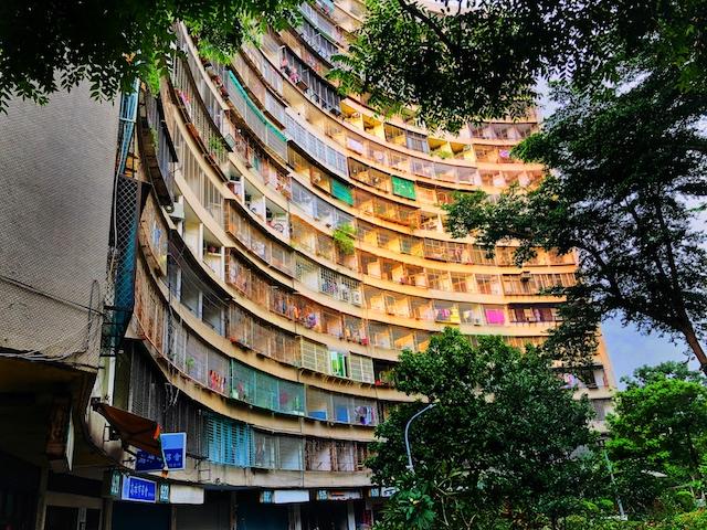 台湾高雄の果貿社區はまるで香港のモンスターマンション?【インスタ映え】