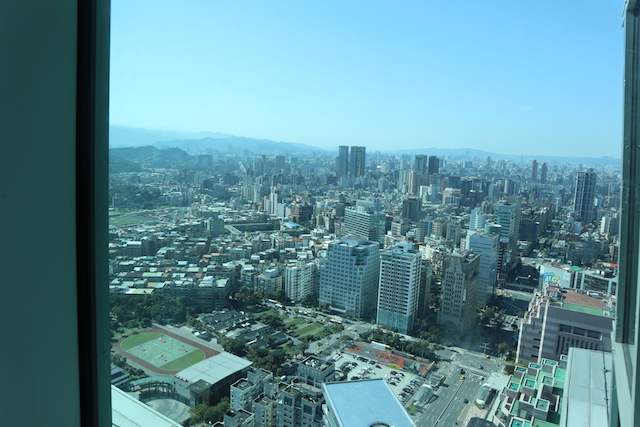 台北010 天空のスタバ