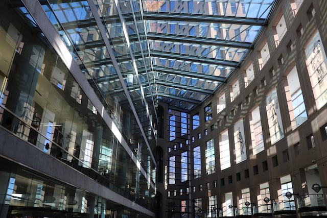 バンクーバー コロッセオ図書館
