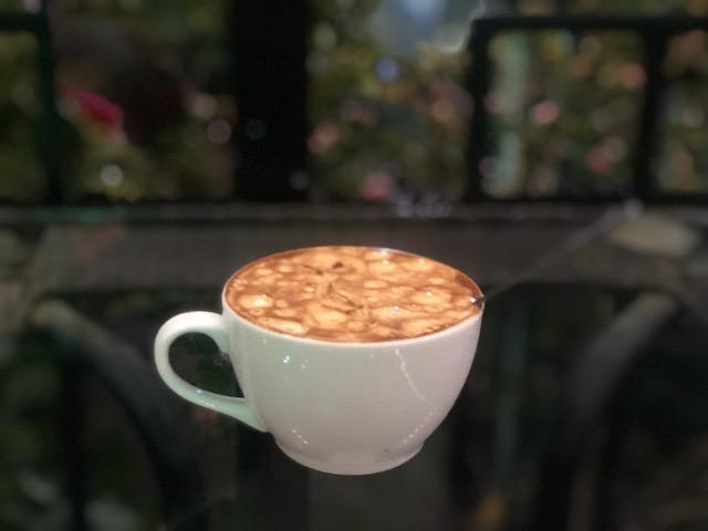 ベトナム ハノイのエッグコーヒーは不思議な甘い飲み物[オススメ3店舗]